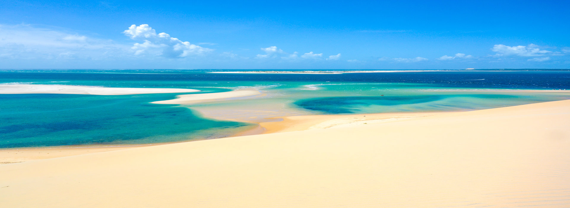 sand_dunes_and_beaches_in_mozambique