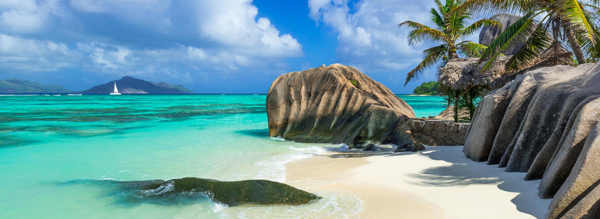Paradise_beach_of_Seychelles