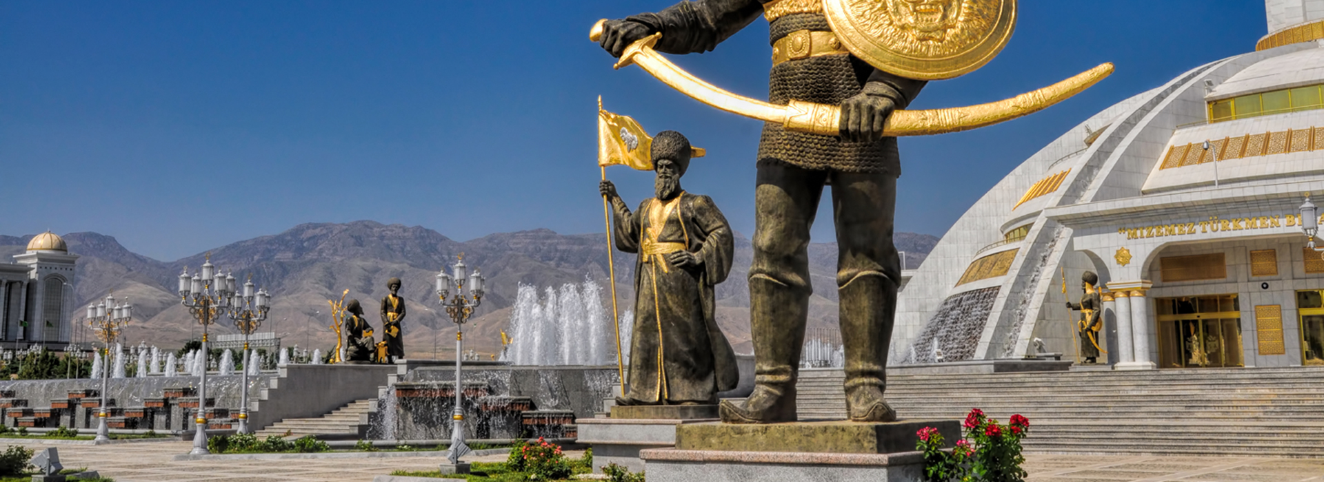 monumento_indipendenza_ashgabad