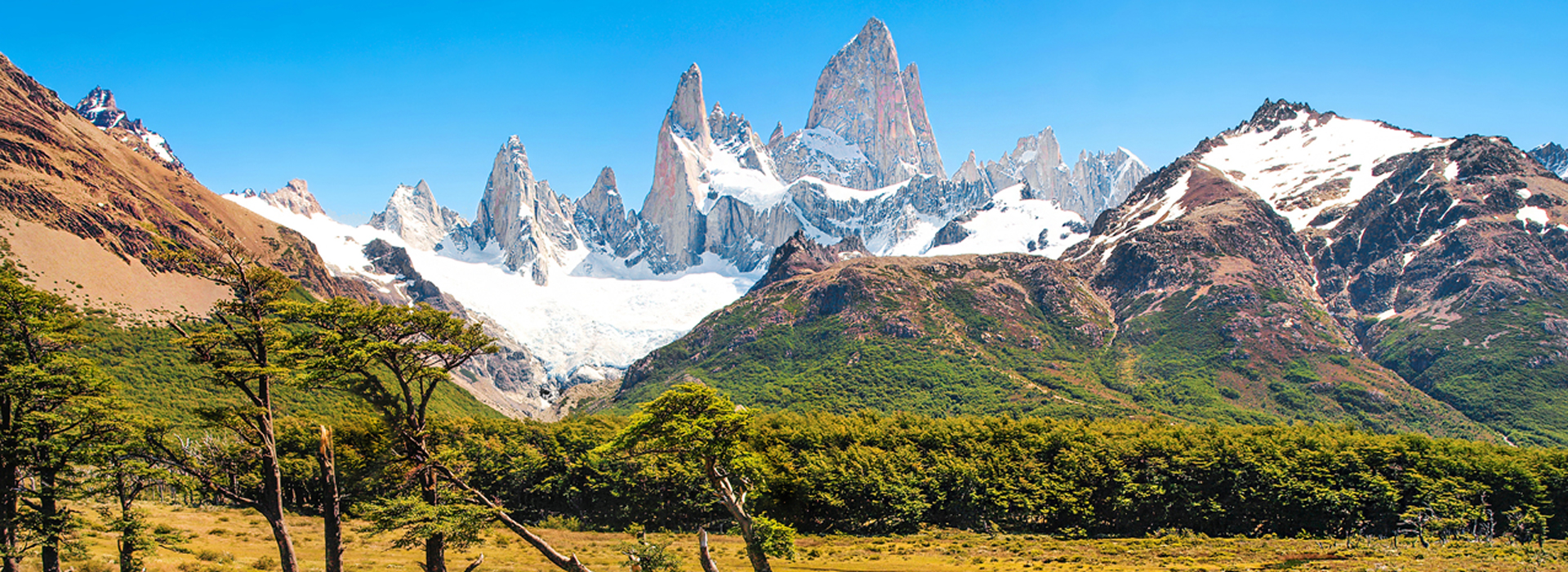 Beautiful-landscape-with-Mt-Fitz-Roy-in-Los-Glaciares-National-Park,-Patagonia,-Argentina,-South-America