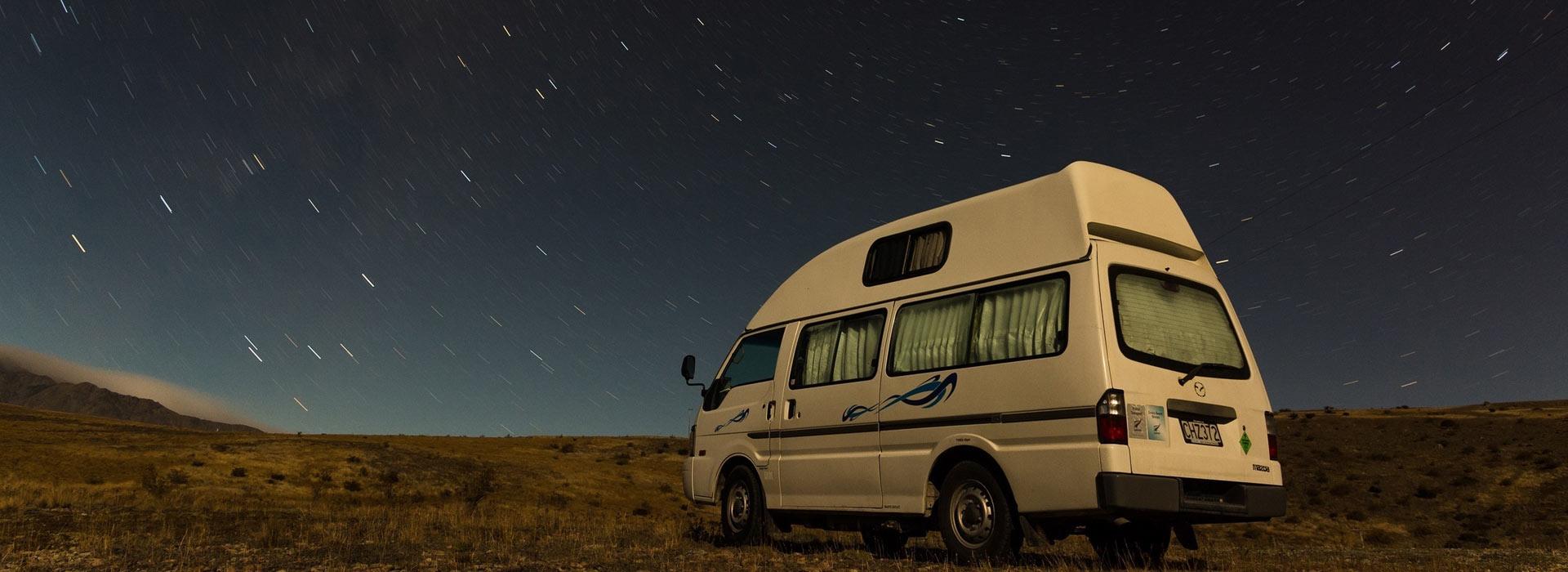 starry_night_at_lake_tekapo_in_new_zealand