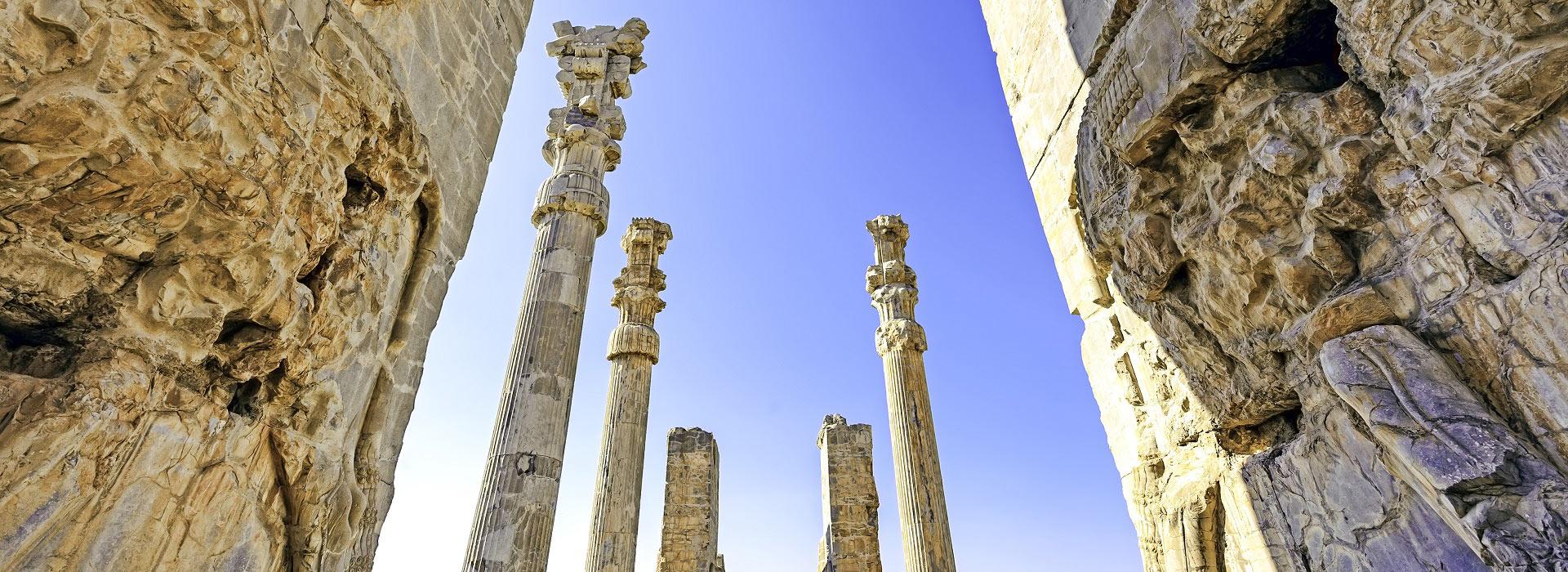 gates_of_xerxes_palace_in_persepolis